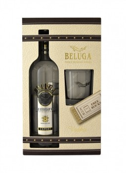 Vodka Beluga Noble Russian com Copo