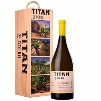 Titan  Vale dos Mil  Branco Magnum 1.5 Ltr 2018